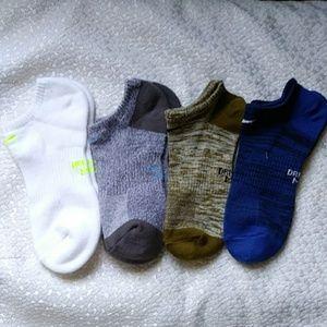 4 pairs Women's Nike Dri-Fit Socks.